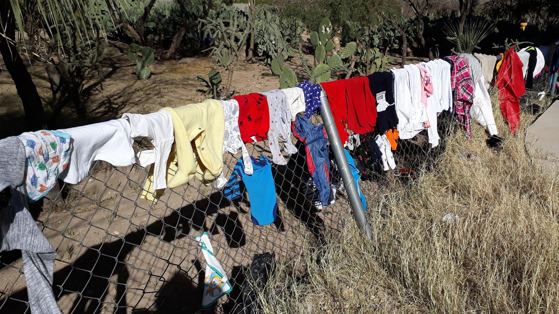 Waesche-der-Migrantinnen-in-der-Notunterkunft-Ciudad-Juarez,1566289631164,swr2-leben-2019-09-16-102 V-16x9@2dXL -77ed5d09bafd4e3cf6a5a0264e5e16ea35f14925