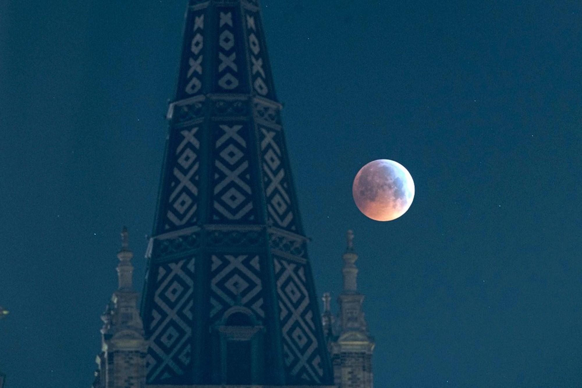 Mond-mat